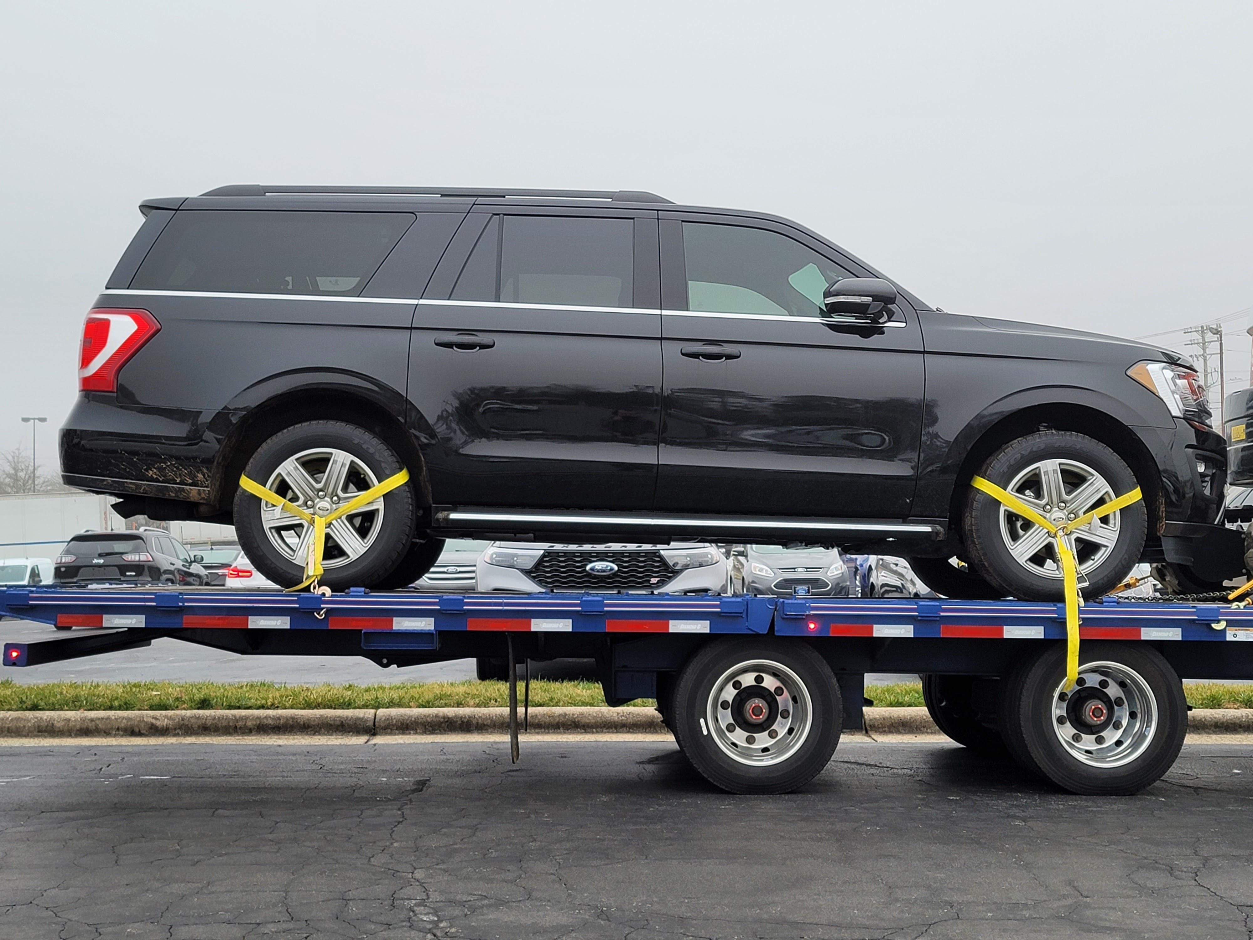 Black SUV Transport